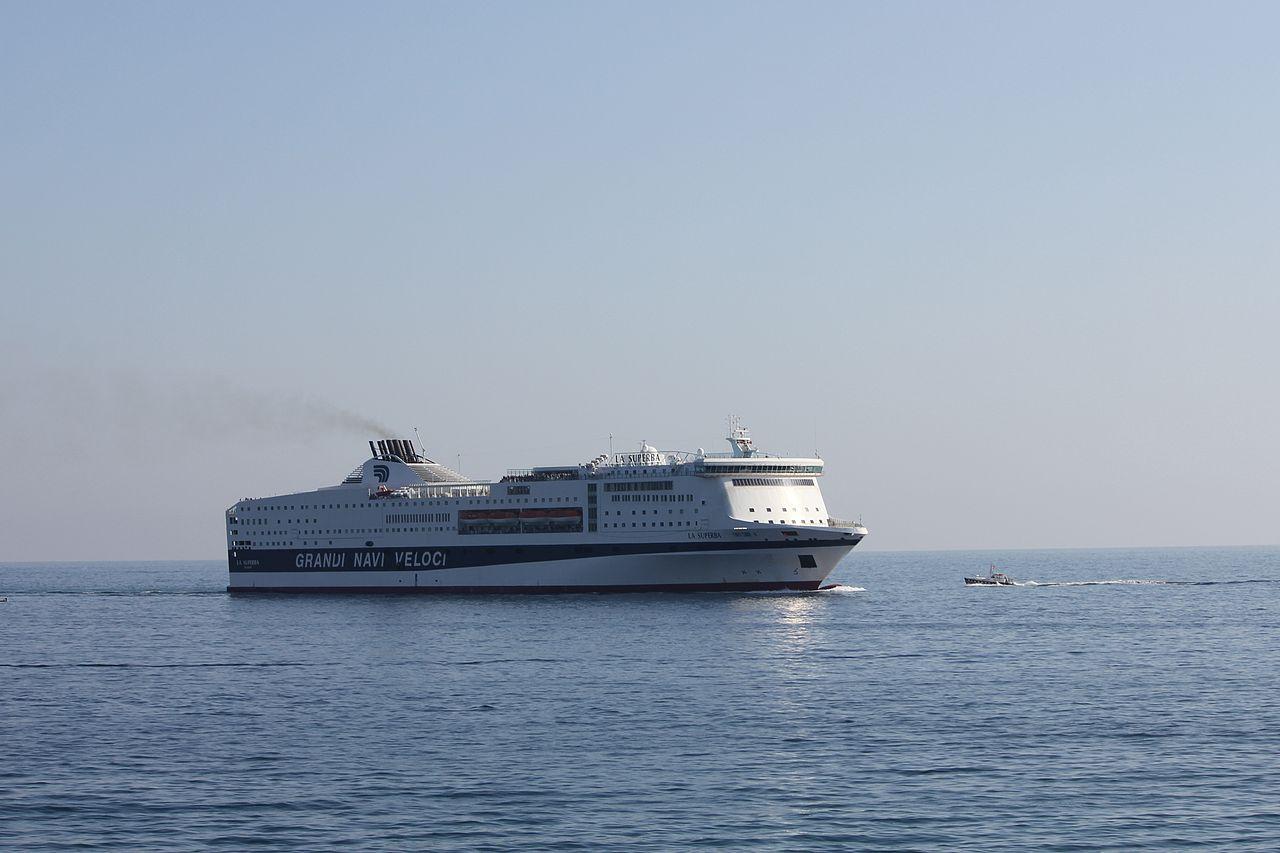 Grandi navi veloci nave la superba blog for Usmc cabine di grandi dimensioni