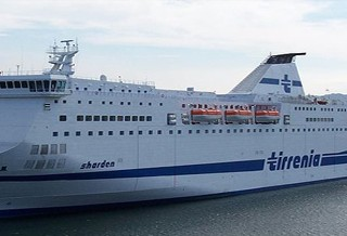 Tirrenia nave Sharden
