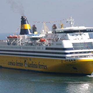 Sardinia ferries nave Mega Smeralda