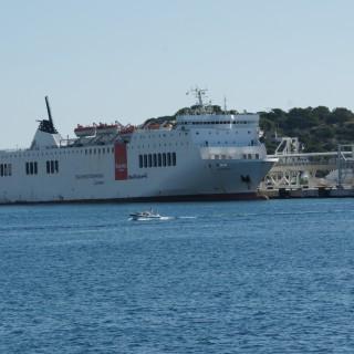 Trasmediterranea nave Scandola