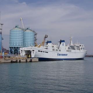 Toremar nave Oglasa