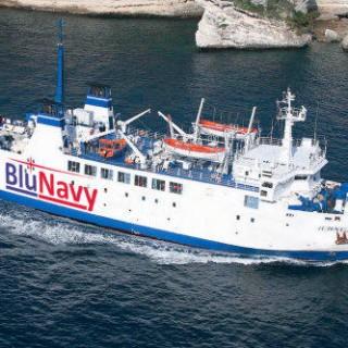 Collegamenti Sardegna-Corsica, Blu Navy